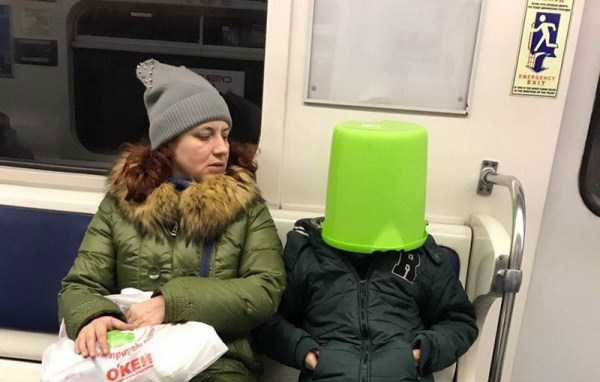 weird-russian-metro-fashion-(41)