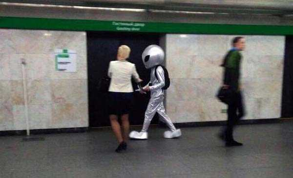 weird-russian-subway-fashion (23)