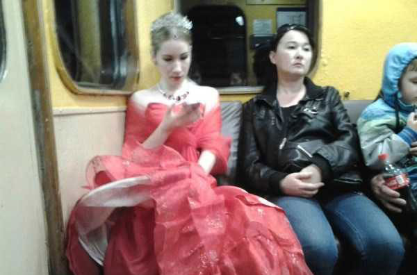 russian-subway-fashionists-(39)